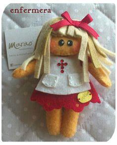 Broche muñeca enfermera!!! Con swarovski elements...