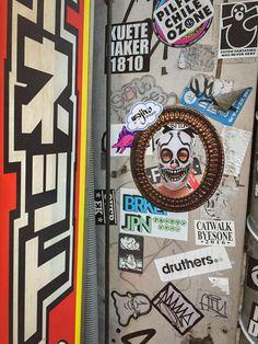 Un maravilloso viaje por este país. México haciendo presencia en sus calles/ A fantastic trip through this country. México making presence in the streets. #wajirodream #wajiroart #mexico #japan #hechoenmexico #travelphotography #besttrip #streetart #artecallejero #stencil #ilustracion #art #arte #artlovers #artista #luchalibre #luchador #artwork