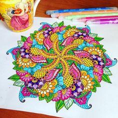Flower mandala from unubulpress.com #momicoloring #colorfly #recolor