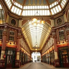 Have a magical shopping time at Leadenhall Market  One of Londons hidden gems the Leadenhall Market offers a one-of-a-kind market experience under its ornate Victorian roof and narrow cobbled streets. Get your shopping baskets ready with its huge array of fish meat poultry cheese flower and other items for your household. Let your taste buds be satisfied with restaurants bars and pubs  from fine dining family friendly spots to even great cafes  around the area. Leadenhall Market is not only…