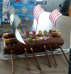 Wie Geburtstagspost versprochen, zeige ich euch heute Eindrücke von der Piratenparty, die wir für unseren 5-jährigen Kindergartenjung...