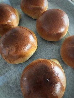 JÄLKIruokaISTUNTO: Täydelliset briossit Hamburger, Bread, Food, Brot, Essen, Baking, Burgers, Meals, Breads