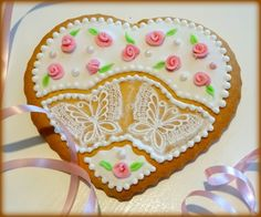 """Vanilla cookie """"Heart with lace butterfies"""" Vanilla Cookies, Sugar, Heart, Lace, Desserts, Food, Tailgate Desserts, Deserts, Essen"""