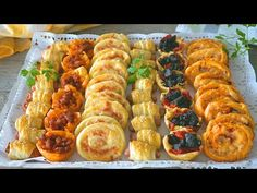 Puff pastry entrees easy, fast and with few ingredients. Finger Food Appetizers, Finger Foods, Appetizer Recipes, Best Dinner Recipes, Side Recipes, Comidas Pinterest, Sandwich Buffet, Aperitivos Finger Food, Party Sandwiches