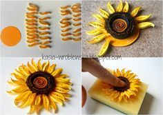 13 Paper Quilling Design Ideas That Will Stun Your Friends – Quilling Techniques Neli Quilling, Quilling Comb, Paper Quilling Cards, Paper Quilling Flowers, Paper Quilling Jewelry, Paper Quilling Patterns, Quilled Paper Art, Quilling Paper Craft, Quilled Roses