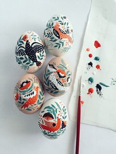Dinara Mirtalipova creates colorful hand-painted eggs inspired by her Uzbek heritage. Her series of folk art Easter eggs put a unique spin on the craft. Art D'oeuf, Diy Y Manualidades, Diy Ostern, Arts And Crafts, Diy Crafts, Homemade Crafts, Wooden Crafts, Egg Art, Egg Decorating