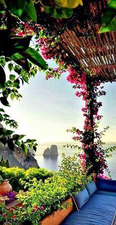 Capri, Italy on http://www.exquisitecoasts.com/