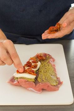 Stuffed pork tenderloin the Italian way Low Carb Low Calorie, Healthy Snacks, Healthy Recipes, Pesto, No Cook Meals, Tapas, Italian Recipes, Food Inspiration, Love Food