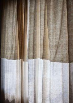 gardine aus gewaschenem leinen in steingrau das h uschen. Black Bedroom Furniture Sets. Home Design Ideas