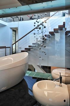 Bathroom glass wall in Modern home in Krakow, Poland Bathroom Glass Wall, Bathroom Spa, Bathroom Interior, Glass Walls, Marble Bathtub, Glass Fence, Interior Stairs, House Inside, Stone Flooring