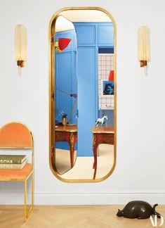 pA hidden door in th