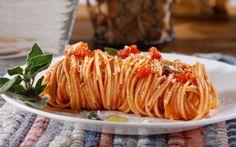 Barilla® PLUS® Thin Spaghetti with Marinara Sauce, Shallots & Romano Cheese