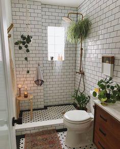 Budget Home Decorating - Get a Designer Home Makeover Without the Designer Price Tag Bad Inspiration, Bathroom Inspiration, Home Decor Inspiration, Bathroom Inspo, Decor Ideas, Bathroom Ideas, Cozy Bathroom, Bathroom Styling, White Bathroom