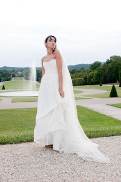 Robe de mariée en dentelle de la boutique en robes de mariées Mariage en Rose.