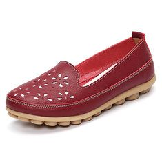 Big Size Soft Brethable Leather Floral Hollow Out Slip On Flat Loafers is cheap and comfortable. There are other cheap women flats and loafers online. Georgia, Loafers Online, Fashion Flats, Types Of Shoes, Womens Flats, Chic Outfits, Latest Fashion Trends, Soft Leather, Loafer Flats