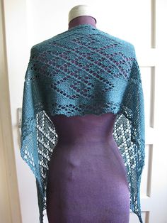 Ravelry: Irish Eyelets pattern by Ilina Knits
