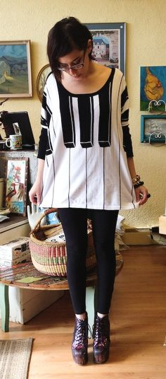 Piano keyboard sweater
