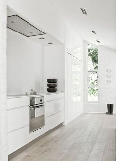 #white #kitchen #floorboards