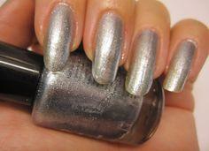 Natural nails with silverpolish. www.funkyandfifty.blogspot.fi