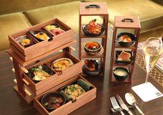 帝国ホテル 東京が、本館最上階に位置する「インペリアルラウンジ アクア」にて、新たなスタイルで優雅な時間を楽しめるランチメニュー「BENTO」の提供をスタートした。