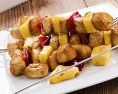 Brochettes de poulet à l'ananas et poivron rouge