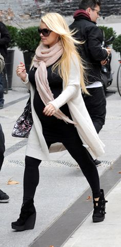 Steal her maternity style: Jessica Simpson | Showing Pregnancy Fashion