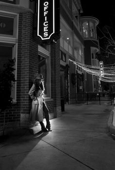 Film Noir in Showcase of Film Noir Photography:         Stylized Glamour