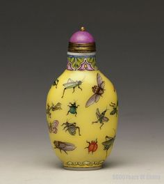 """Old Chinese Painted """"Insects"""" Enamel Glass Snuff Bottle"""