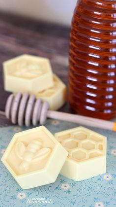 10 Minute DIY Milk & Honey Soap - This easy DIY Milk and Honey soap can be made in just 10 minutes, and it boasts lots of great skin benefits from the goat's milk and honey! A wonderful quick and easy homemade gift idea!