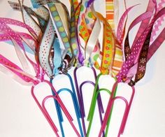 Bookmarks-- cute & easy for kids crafts or little gifts Kids Crafts, Cute Crafts, Crafts To Do, Craft Projects, Arts And Crafts, Craft Ideas, Quick Crafts, Diy Ideas, Easy Ribbon Crafts