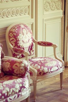 ZsaZsa Bellagio, lovely seats