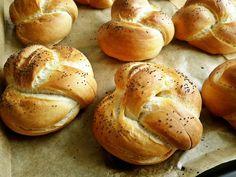 Menő szendvicsalap: házi császárzsemle - Mom With Five Bread Dough Recipe, Sourdough Bread, Winter Food, Bread Baking, Bakery, Homemade, Recipes, Drink, Inspiration