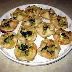 Egy finom Spenótos-fetás batyucskák ebédre vagy vacsorára? Spenótos-fetás batyucskák Receptek a Mindmegette.hu Recept gyűjteményében!