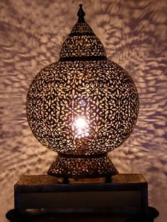Moroccan Brass table light, Table lamp delicately chiselled patterns. Moroccan Interior