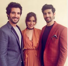 Tum Bin 2: Neha, Aditya and Aashim pose for a happy pic post the release of their first look!