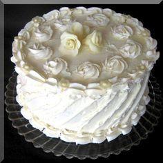 White Chocolate Cranberry Birthday Cake l crunchy creamy sweet Köstliche Desserts, Delicious Desserts, Dessert Recipes, Beautiful Cakes, Amazing Cakes, Cake Cookies, Cupcake Cakes, Cupcakes, Pretty Wedding Cakes