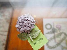 crochet brooch by jungjung