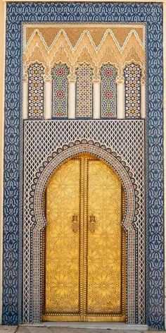 14th century door to one of the King's palaces. Fez Medina, Morocco | © Brooke…