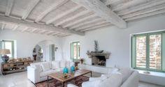 Vicky's Home: Una casa griega con sabor a mar / A Greek house with sea flavor Tuscan Decorating, Interior Decorating, Interior Design, Bauhaus, Ibiza, Greek House, Tadelakt, Duplex, Dream Decor