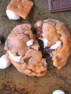 Amerikalıların bir lezzeti var adı s'mores. Kendisini bugünlük kurabiyeye davet ettim!