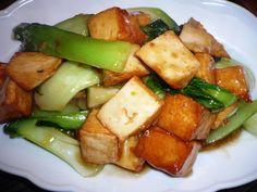 Chineze pompoenen soepen - visblokjes met mini paksoi - zalm. Was even weg voor een paar dagen en toch altijd zo fijn als ik weer terug ben ik Nederland [begint al bij de grens] en dan natuurlijk in  mijn eigen nest en keuken om heerlijk te genieten van het Koken Met Specerijen .. Smakelijke groet, Tammy Wong
