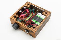 Cmoy headphone amp in 2019 audio project inspiration аудио, Electronics Projects, Diy Electronics, Wooden Speakers, Diy Speakers, Diy Projects Design, Diy Amplifier, Speaker Design, Radio Design, Headphone Amp