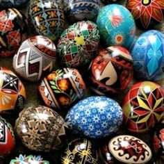 How to make beautiful Pysanky (Eastern European painted raw Easter Eggs) juuuust like gramma's.