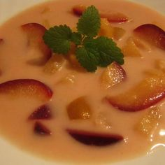Őszi gyümölcsleves Recept képpel - Mindmegette.hu - Receptek Panna Cotta, Food And Drink, Soup, Pudding, Baking, Ethnic Recipes, Desserts, Chocolate, Essen