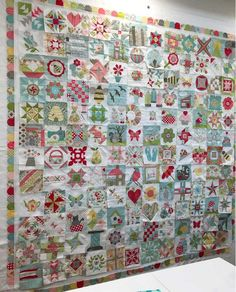 Spanning the globe to bring you the constant variety of quilting… The thrill of appliqué and piecing, and the occasional agony of un-sewing… the quilter quest of quilt completion……