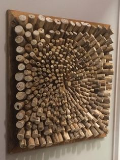 101 DIY Wine Cork Crafts Ideas Top 101 DIY Wine Cork Craft Ideas that you can do with your family or by yourself. Collection of one the most beautiful and creative DIY Wine Cork Projects. Wine Craft, Wine Cork Crafts, Wine Bottle Crafts, Wine Bottles, Diy Wall Art, Wood Wall Art, Diy Cork, Wine Cork Art, Wine Corks