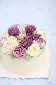Buttercream Flower Cakes Cute Cakes, Pretty Cakes, Beautiful Cakes, Amazing Cakes, Wilton Cake Decorating, Cookie Decorating, Mini Cakes, Cupcake Cakes, 3d Cakes