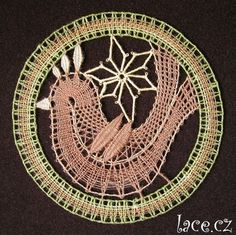 Portrait Embroidery, Lace Making, Bobbin Lace, Crocheting, Knitting, Ideas, Art, Scrappy Quilts, Bobbin Lacemaking