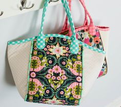 You voted for me to sew my own version of this tote and I did. Then a bunch  of you asked me to add a zipper. I was hesitant. I was like, really? That's  more work and it will ruin the shape of the bag. But it didn't ruin  anything!