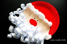 Kids will love cutting, sticking, painting and curling to create an adorable Paper Plate Santa Claus with a lushious curly paper beard! Preschool Christmas Crafts, Santa Crafts, Christmas Crafts For Kids To Make, Xmas Crafts, Kids Christmas, Christmas Things, 1st Grade Crafts, Christmas Classroom Door, Christmas Paper Plates